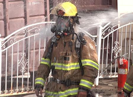 کنترل ایمنی آتشنشانها در زمان کار در حرارت