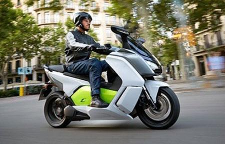سایپا، موتور سیکلت الکتریکی را به خیابان های تهران میآورد