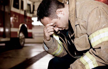 وقتی آتش نشانان نمی توانند چیزهایی را که دیده اند، فراموش کنند! آتشنشانان را دریابیم!